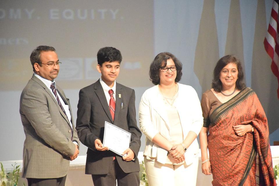 Most Outstanding Delegate award at the LVISMUN :image